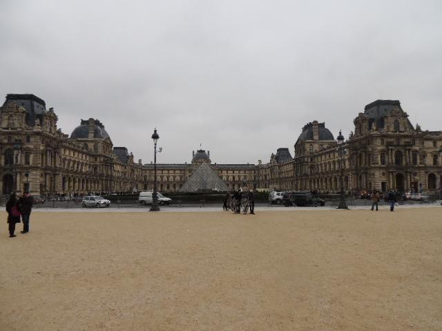 Louvre depuis les Tuileries