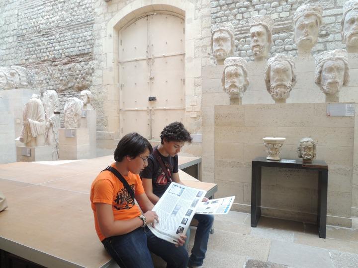 Studieux les Frères Caca. Musée Cluny
