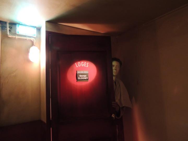 Passage dans les loges.