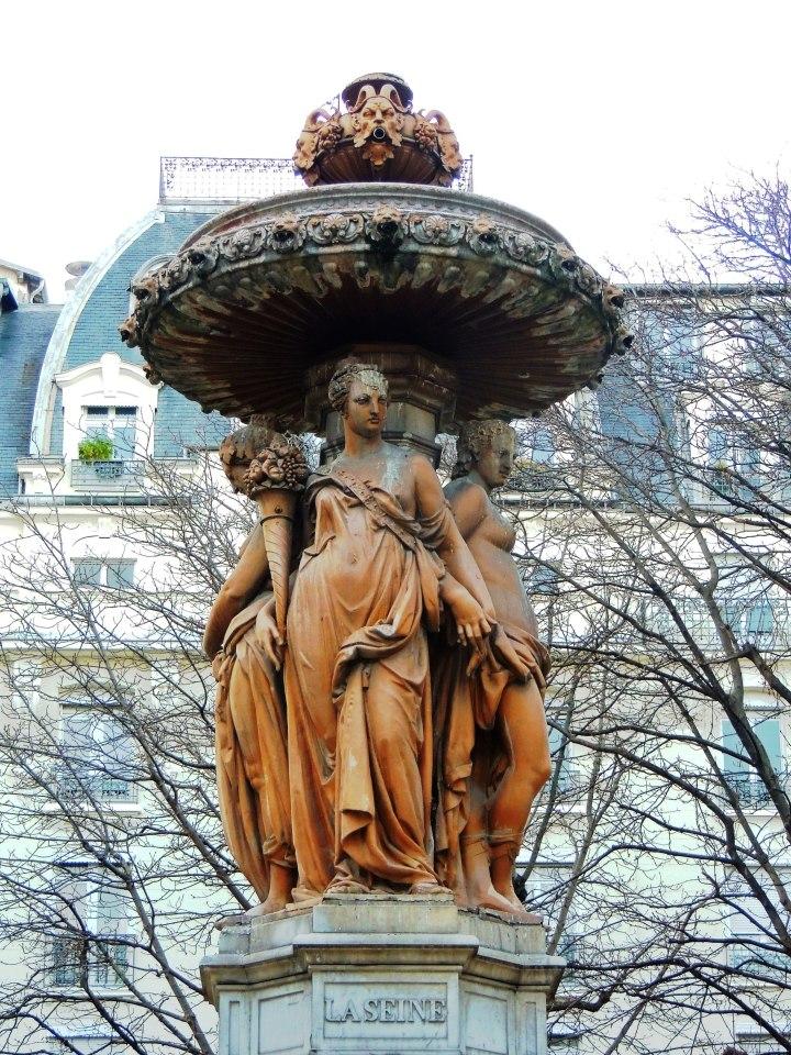 Square et Fontaine Louvois (2)
