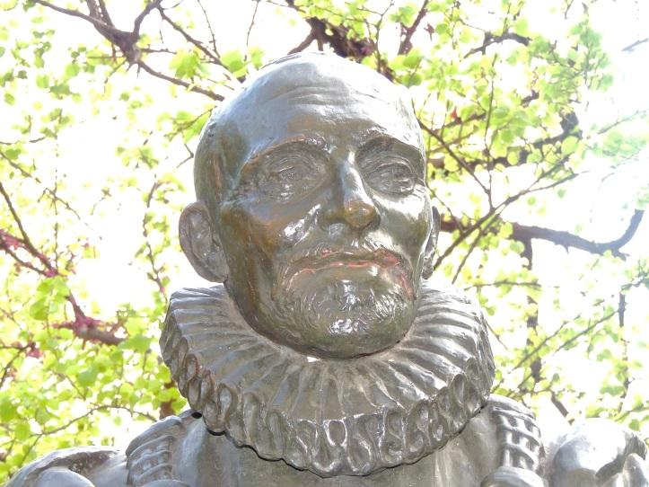 Statue de Montaigne Square Painlevé (7)