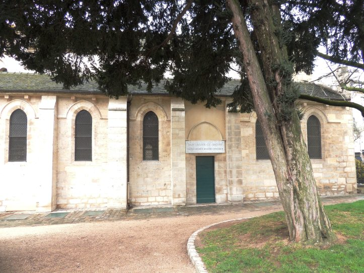 Square René Viviani Eglise