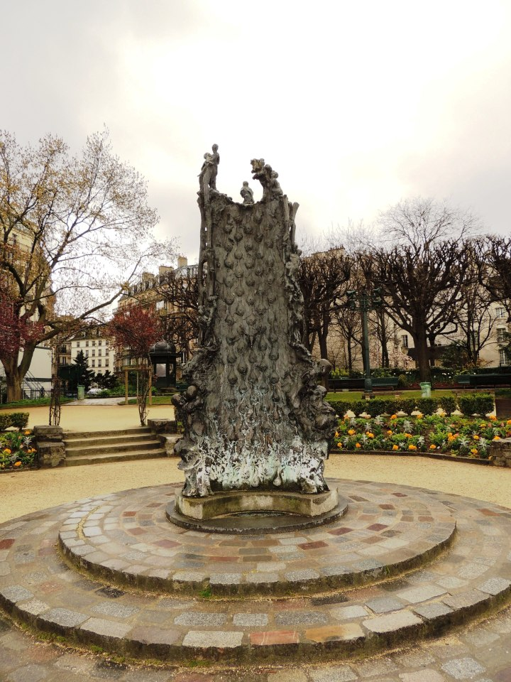 Square René Viviani Fontaine
