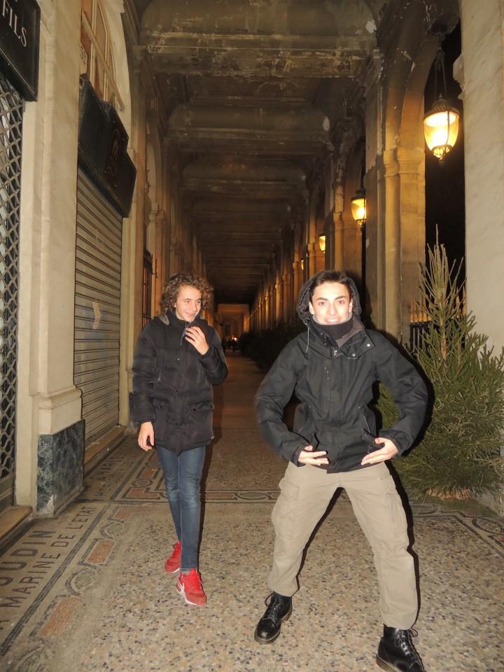 Jardin du Palais Royal Jules et Mehdi 31 décembre 205 (12)