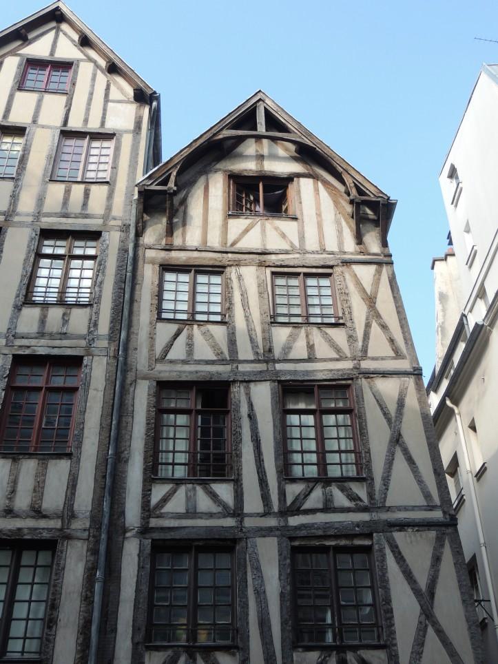 Paris au Moyen age Notre Dame rue François Miron (105)